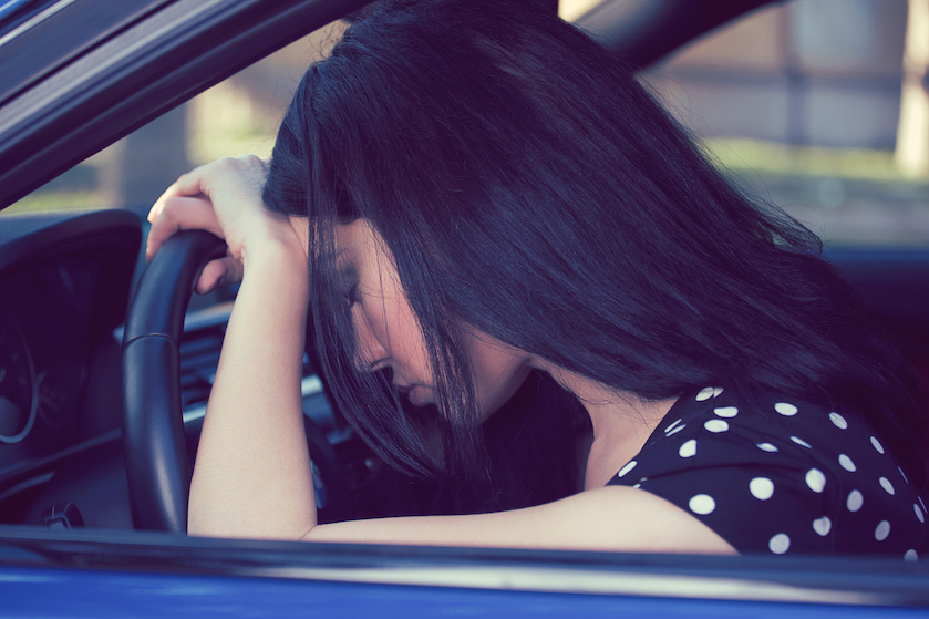 Schokkend: zó gevaarlijk is het om vermoeid achter het stuur te kruipen