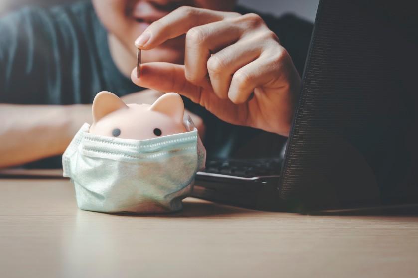 Moeite met sparen? Déze goede tips van een bespaarexpert helpen je op weg