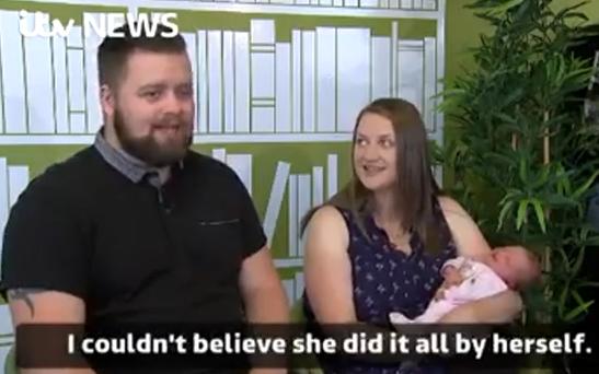 Video: On-ge-lo-fe-lijk, deze vrouw bevalt in 1 minuut!