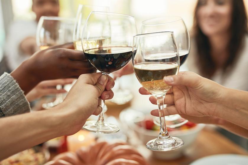 Geloof het of niet: deze kleur wijn zorgt voor de heftigste kater