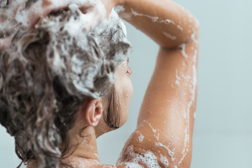 Waarom je nooit mag gaan douchen als het onweert