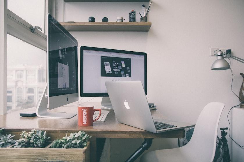Goed nieuws voor uitslapers: dít zou het beste tijdstip zijn om je werkdag te starten