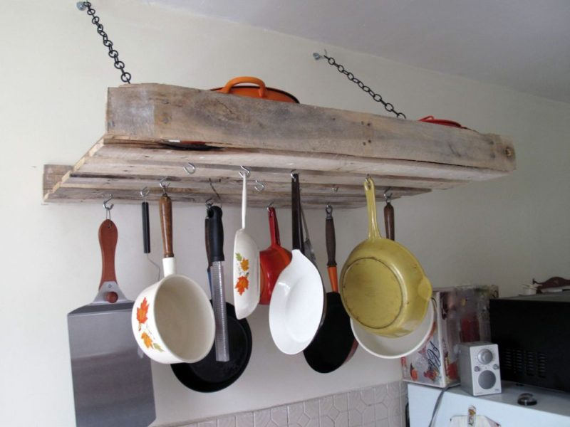 whole-pallet-use-to-made-a-pot-rack-800x600