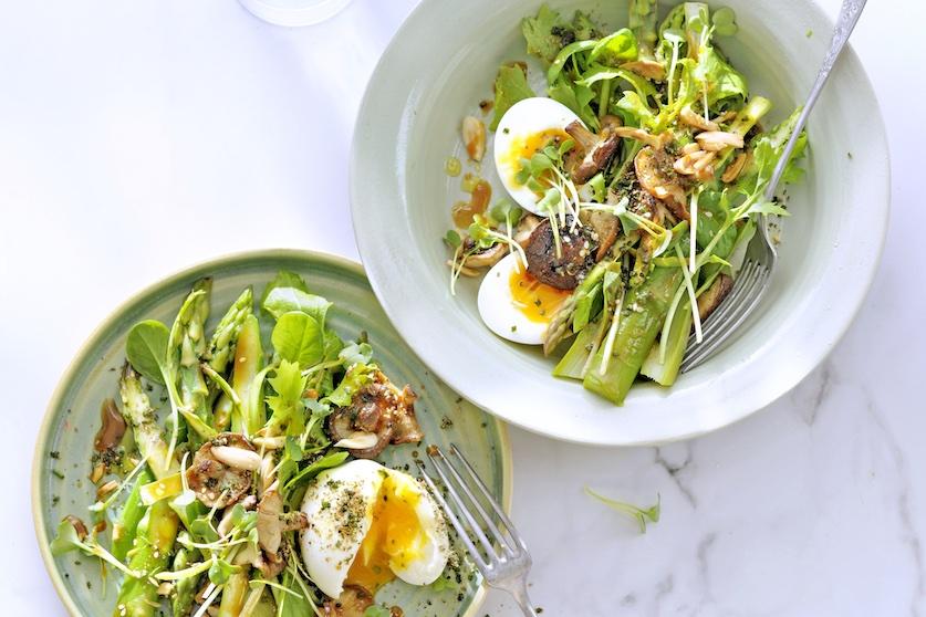 Culinair hoogstandje: asperges met shiitake & kruiden