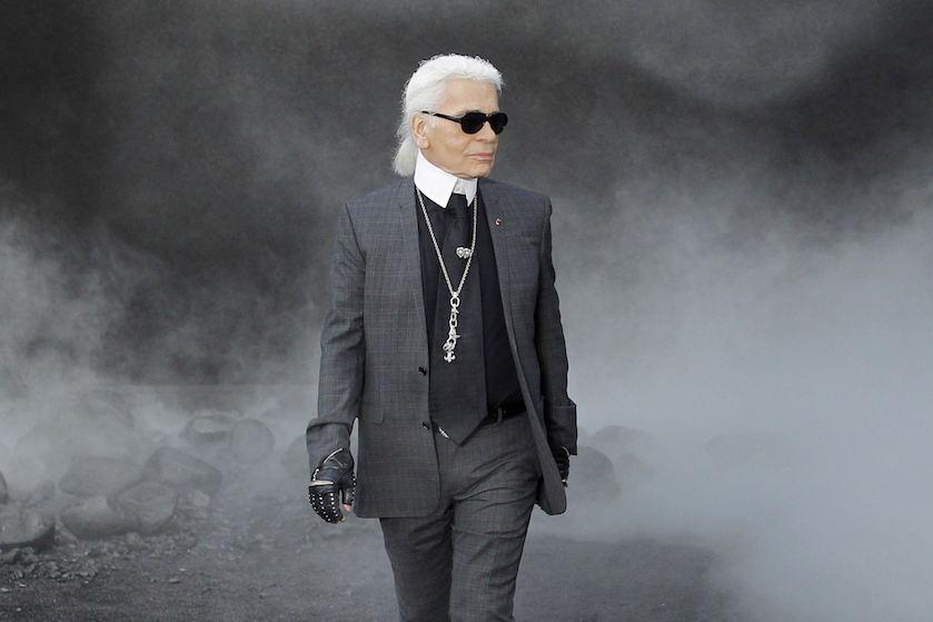 Wereld verliest grootste levende mode-icoon: Chanel's Karl Lagerfeld overleden
