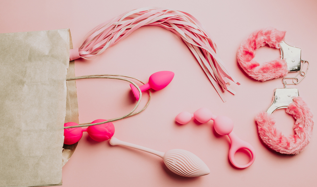 Spice je seksleven up: zo gebruik je seksspeeltjes samen met je  partner