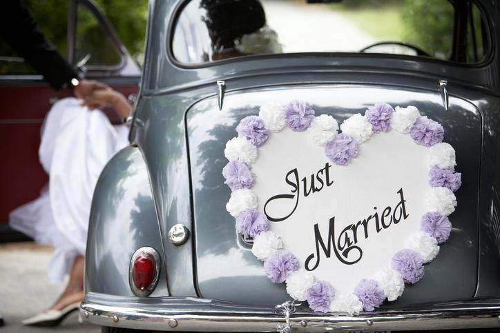 Zo veel seks hebben pasgetrouwde koppels tijdens hun huwelijksnacht!