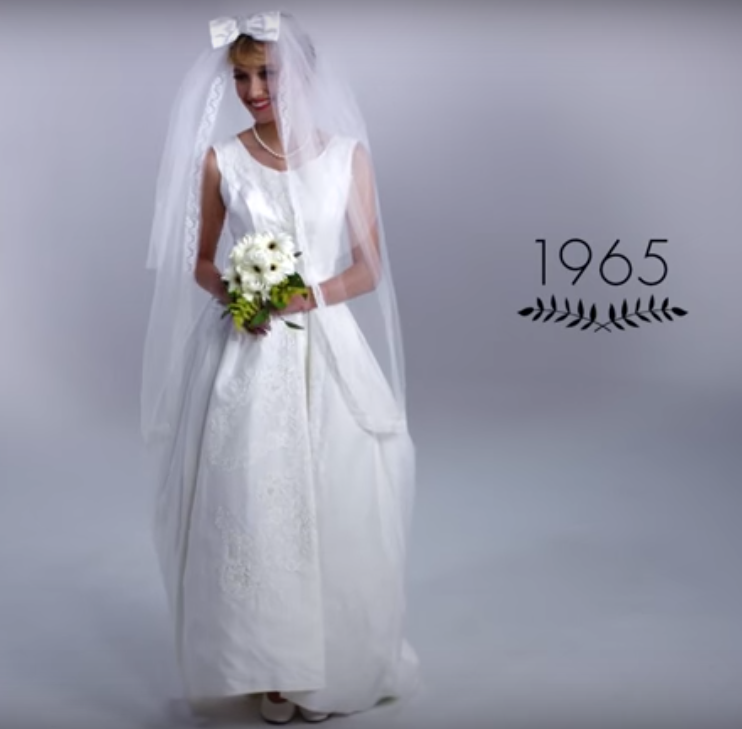 Video: De evolutie van de trouwjurk van 1915-2015
