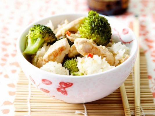 RECEPT: Wokje met kip, broccoli en gember