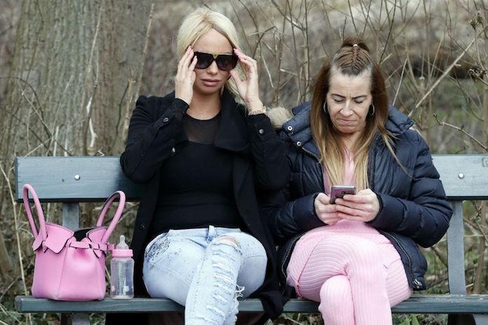 Arme Samantha: tientallen ziekenhuismedewerkers snuffelden in medisch dossier Barbie