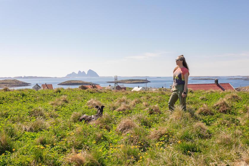 Kim aan de wodka op schuurfeest in Noorse 'middle of nowhere': 'Voldaan zwalken we over het veld naar huis'