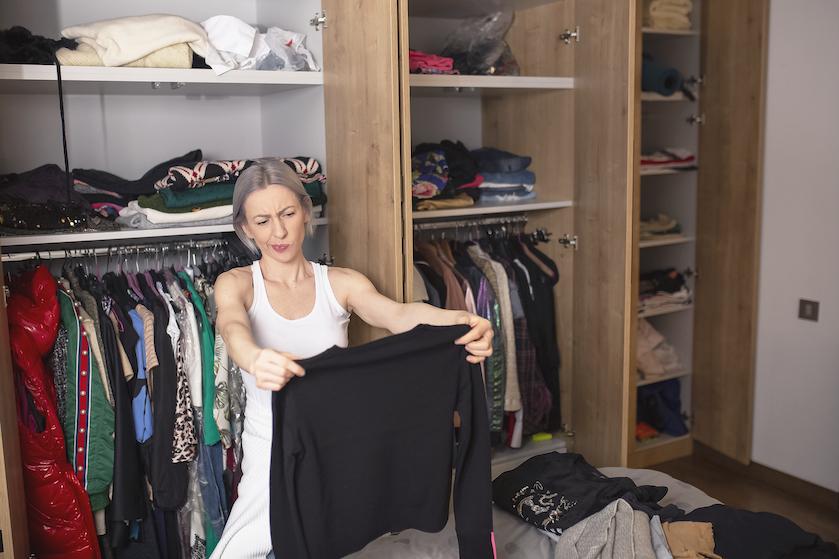 Say what?! Dít is hoe lang vrouwen gemiddeld voor de kledingkast staan
