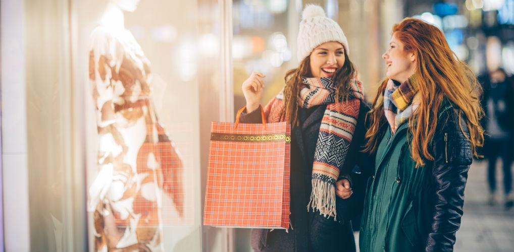 Ben jij een dwangmatige shopper? Dan kan winkelen met vriendinnen je helpen