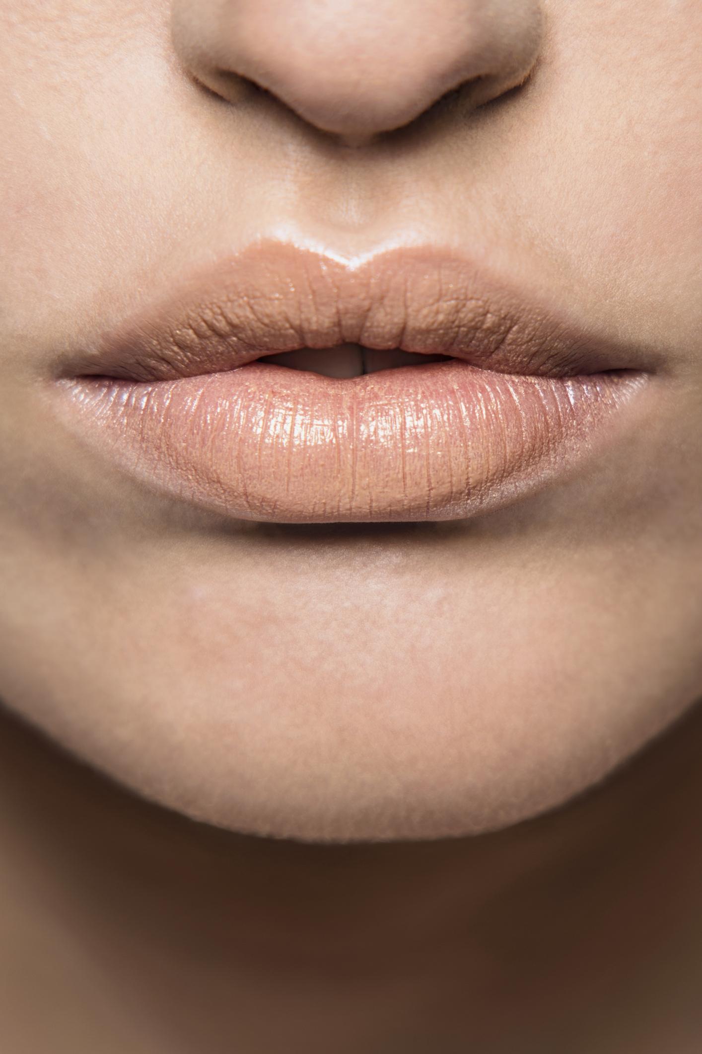 10 struggles die iedereen die graag lipstick draagt zal herkennen