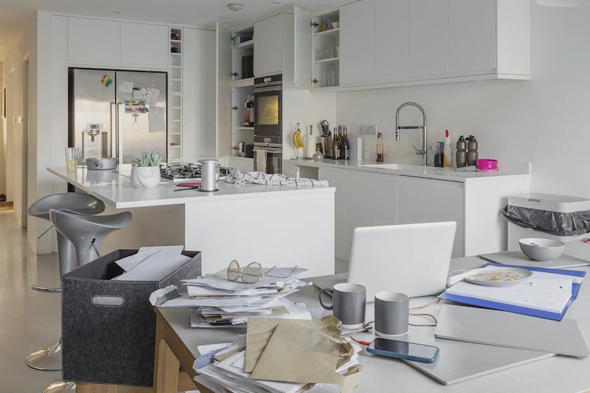 Opgebiecht: 'Mijn huis is zo'n puinhoop, dat ik me echt kapot schaam'