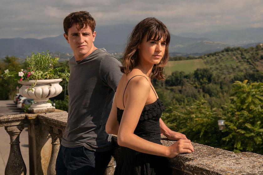 Déze op een boek gebaseerde dramaserie over een 'onmogelijke' liefde verschijnt bíjna op de buis