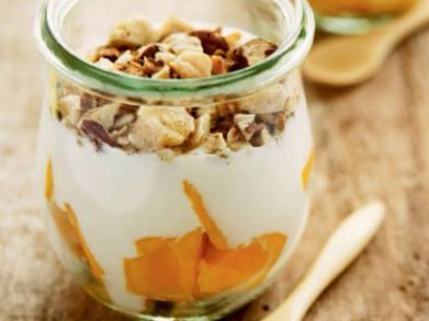 Ontbijtreceptje: Griekse yoghurt met mango en noten