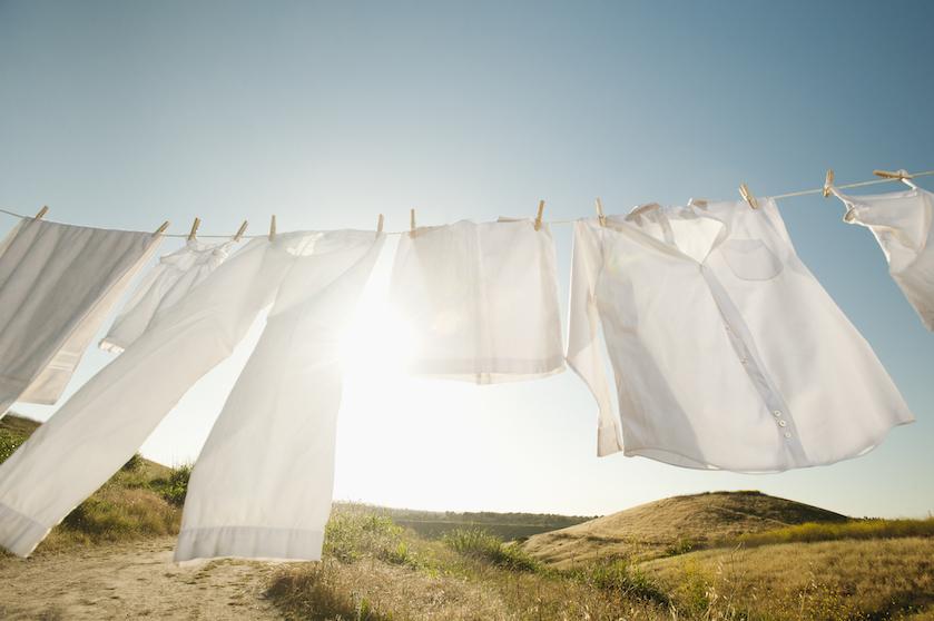 Door dít in je wasmachine te gooien, wordt jouw witte was weer stralend wit