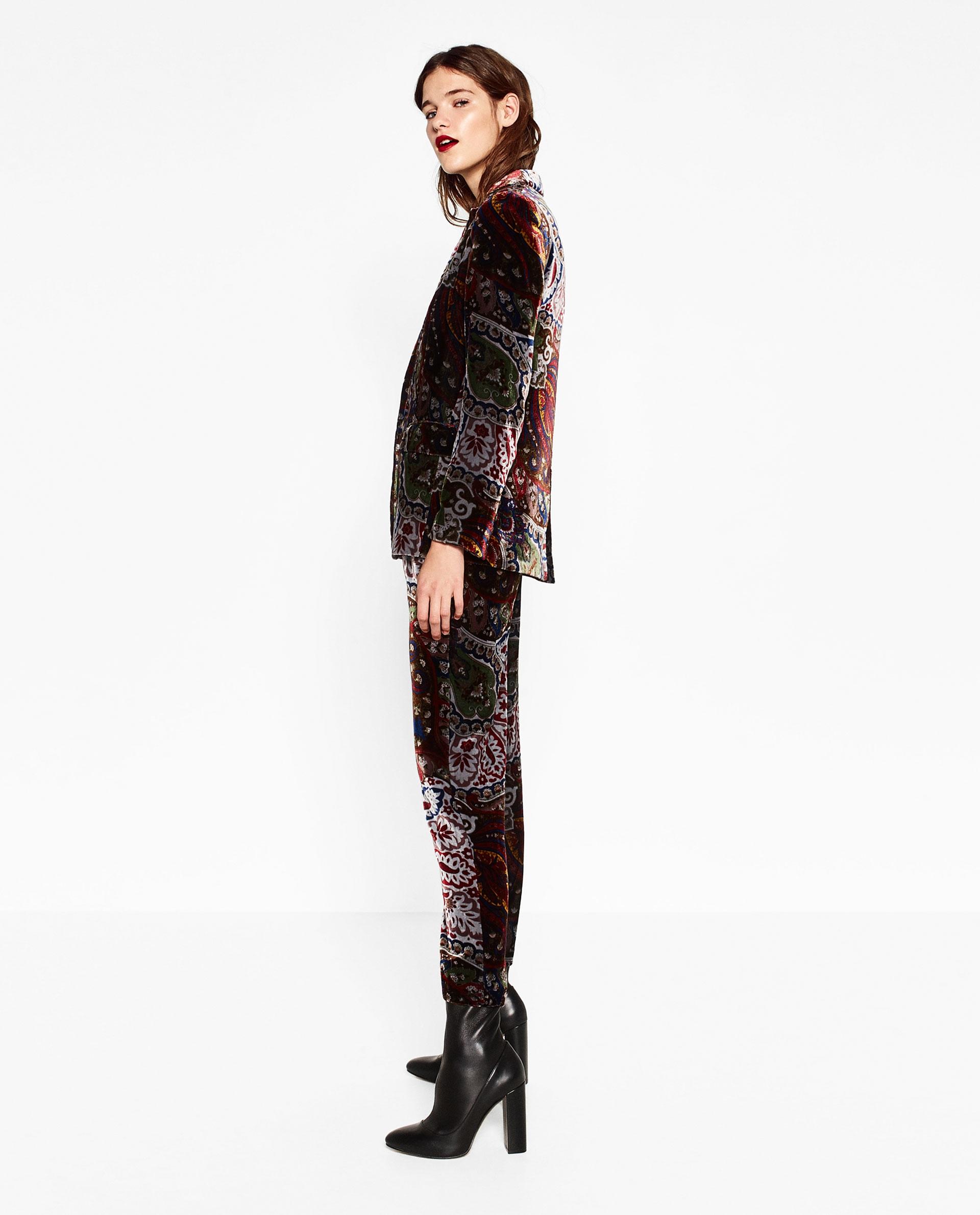 Zo vertaal jij dé fluweel-trend van dit seizoen naar je eigen kledingkast!