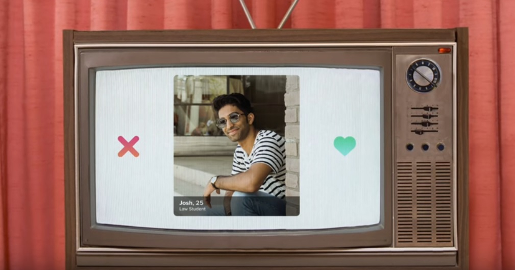 Bye Bye Smartphone! Vanaf nu kan je Tinderen op je televisie!
