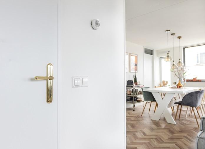 Luxe interieur? Ga aan de slag met deze DIY deur make-over!