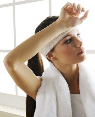 3x sporten met een handdoek