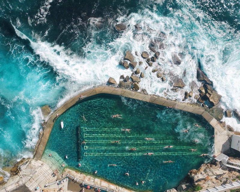 ZIEN: Spectaculaire dronefoto's van de oceaan!