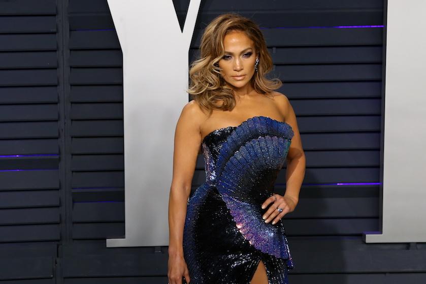 Fans staan in de rij om sportende Jennifer Lopez te zien zweten