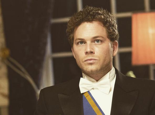 Acteur Teun Luijkx tot over zijn oren verliefd!