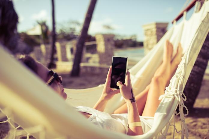 Telefoon oververhit door de zon? Lees hier wat je kunt doen