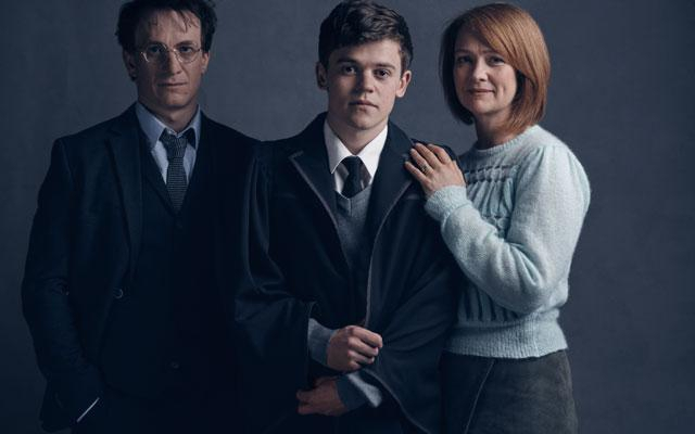 Zo zien Harry Potter, Ginny Wemel en hun zoon Albus eruit in 'Harry Potter and the Cursed Child'