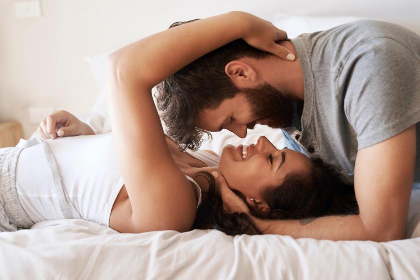 Bedgeheimen: 'Hij haalt het stoutste in mij naar boven, ik ben veel avontuurlijker geworden in bed'