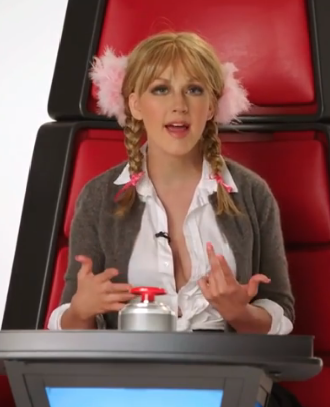 Lachen! Christina Aguilera's imitatie van andere artiesten