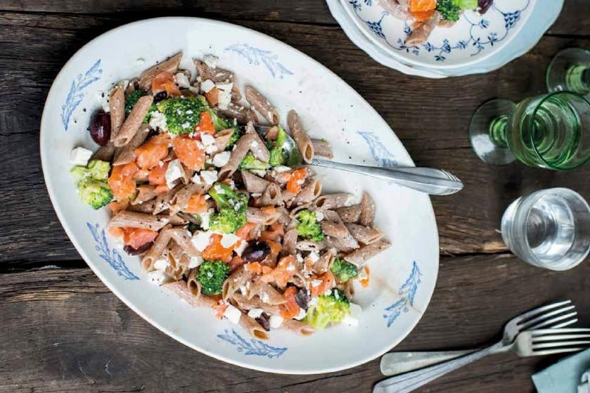 Recept: speltpasta met broccoli en zalm
