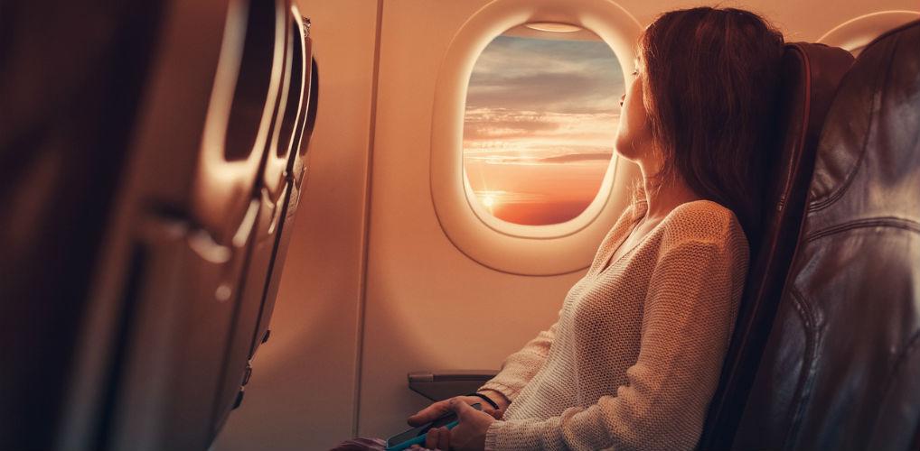 8x wat er met je lichaam gebeurt als je in het vliegtuig zit