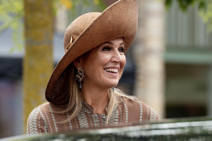Begaat koningin Máxima een kleine modeblunder met jurk in een 'fletse kleur'?