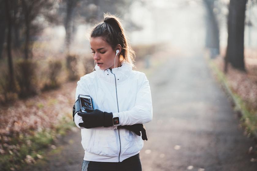 Met deze tips blijf je ondanks de kou hardlopen in het najaar