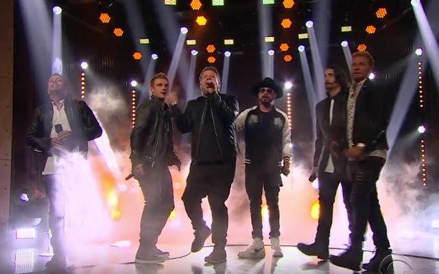 VIDEO: de Backstreet Boys en James Corden zingen een za-li-ge cover van 'Everybody'