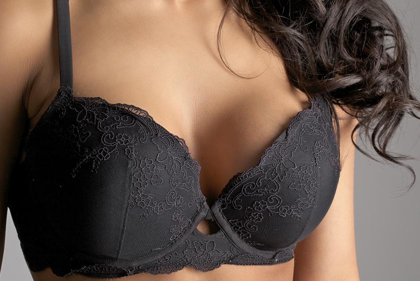 Vera had nooit échte borsten en liet ze vergroten: 'Ik wilde geen halve pornoster worden'