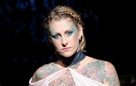 Wauw: borstkanker survivors tonen littekens op catwalk tijdens NYFW