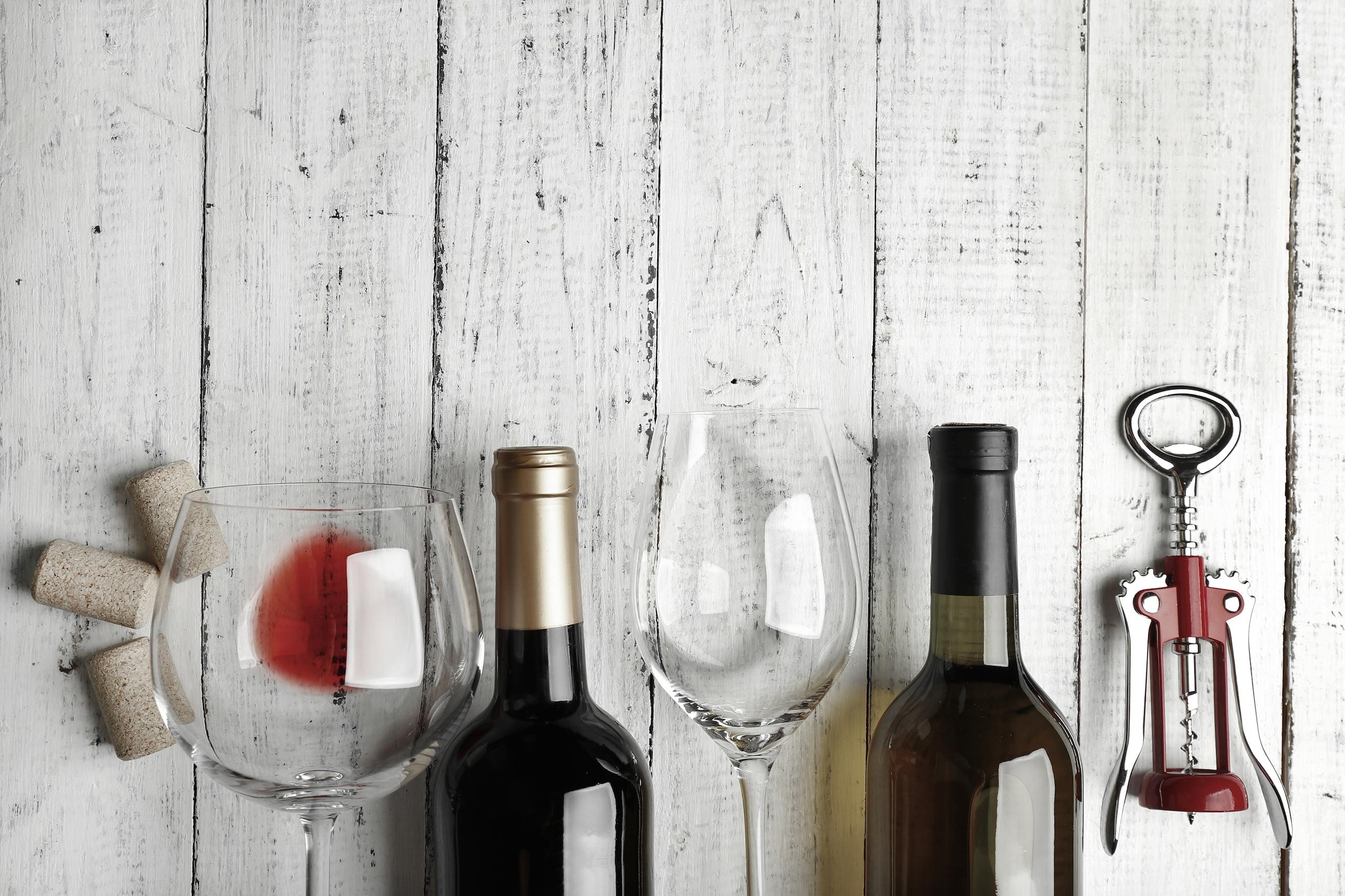 Life hack: zó koel je een fles wijn in slechts 5 minuten!