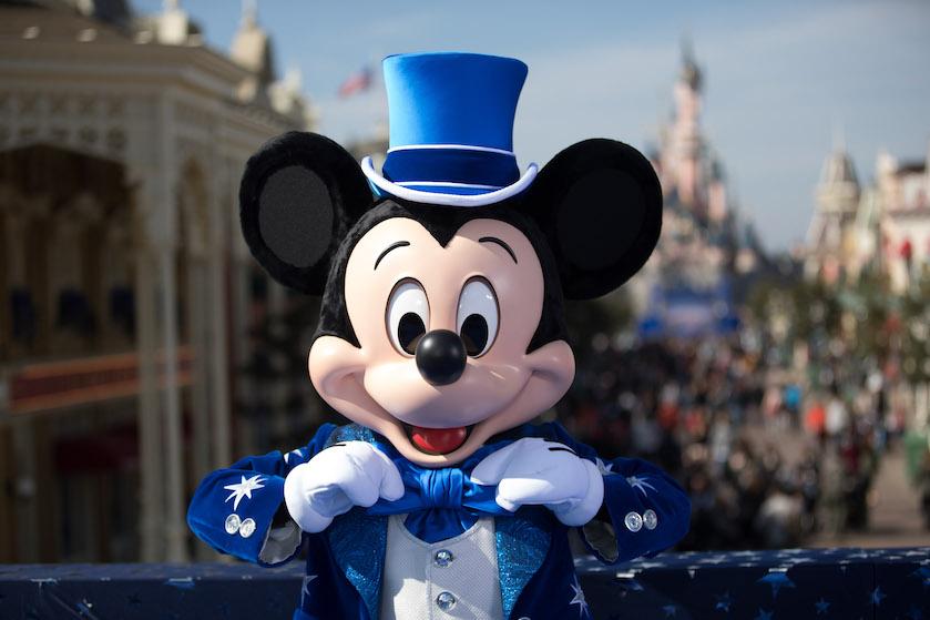 Met deze aanbieding sluit je het jaar (betaalbaar!) af in Disneyland Parijs