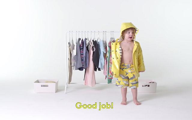 Cute: deze peuters kleden zichzelf voor het eerst aan