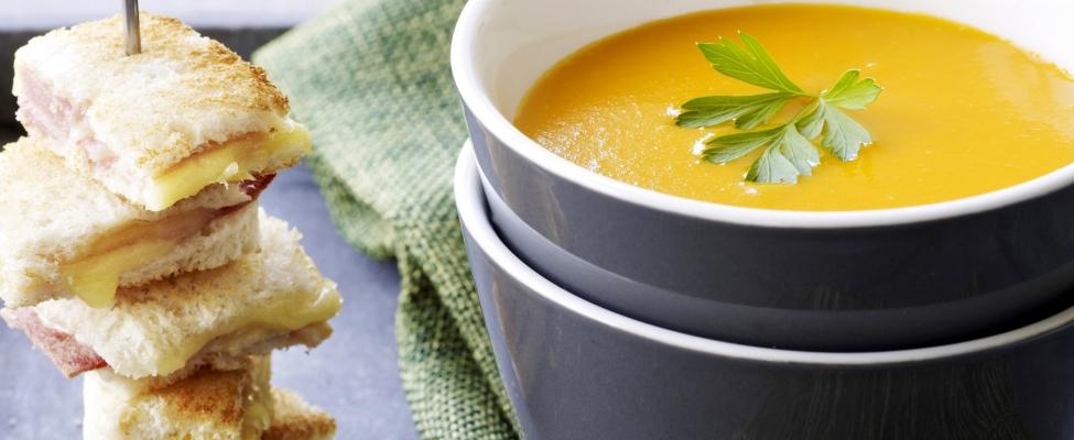 Herfstig recept: zo maak je de lekkerste pompoensoep mét tosti-brochette