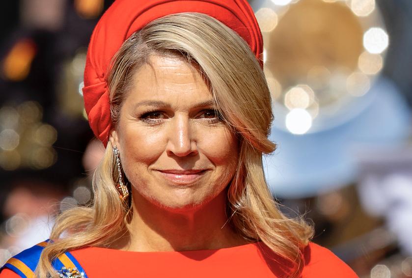 Koningin Máxima in opvallende kleurencombinatie mét 'kleine hoed' tijdens Prinsjesdag