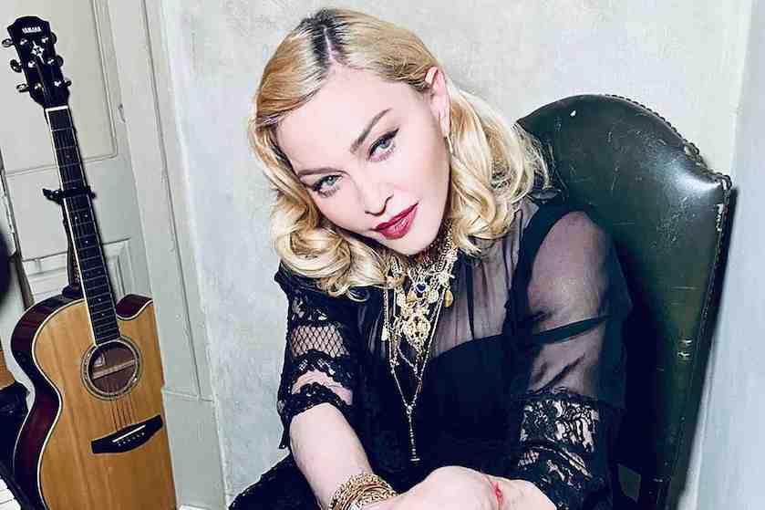 Volgers zetten vraagtekens bij wel héél pikante kiekjes Madonna (62): 'Waarom doe je dit?'