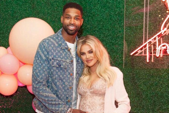 Beelden: 'vriend van hoogzwangere Khloe Kardashian zoenend gespot met andere vrouw'