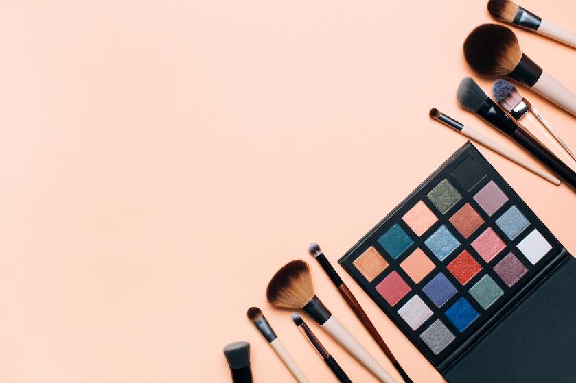 Tijd voor een beetje kleur: déze tinten oogschaduw maken komende zomer een comeback