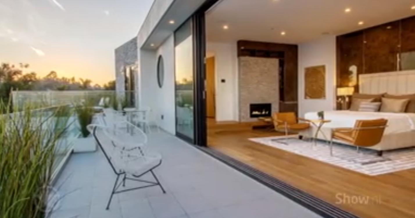 Zien: binnenkijken in villa schrijfster Fifty Shades Of Grey