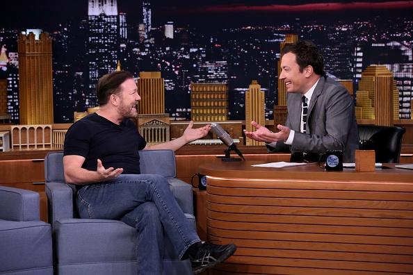 Video: LOL! Ricky Gervais doet zo veel mogelijk imitaties in 30 seconden